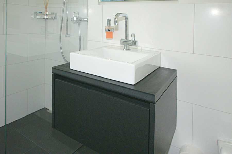 markus p ntener ag badm bel. Black Bedroom Furniture Sets. Home Design Ideas